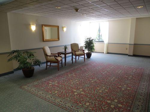 10 9th flr lobby