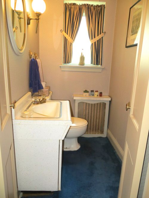 11 Powder Room