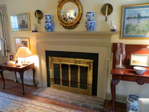 7 Fireplace LR