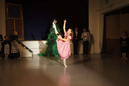"Anna Si soars as Clara in Swarthmore Ballet Theatre's staging of ""The Nutcracker""!"