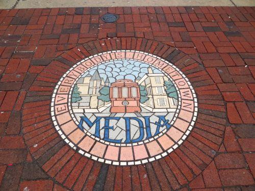 12 Media seal