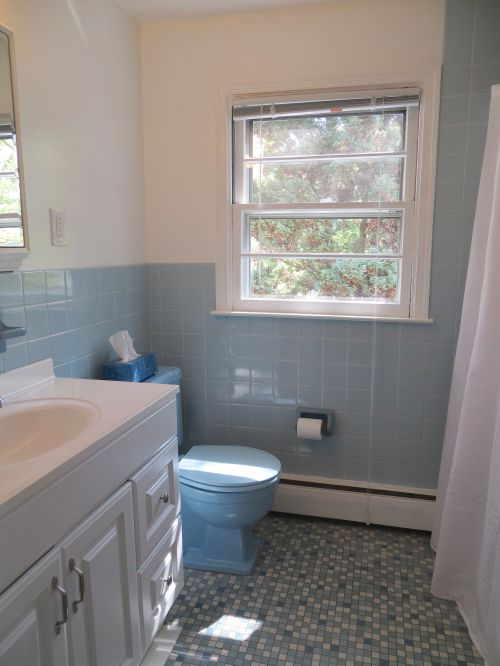 17 hall bath