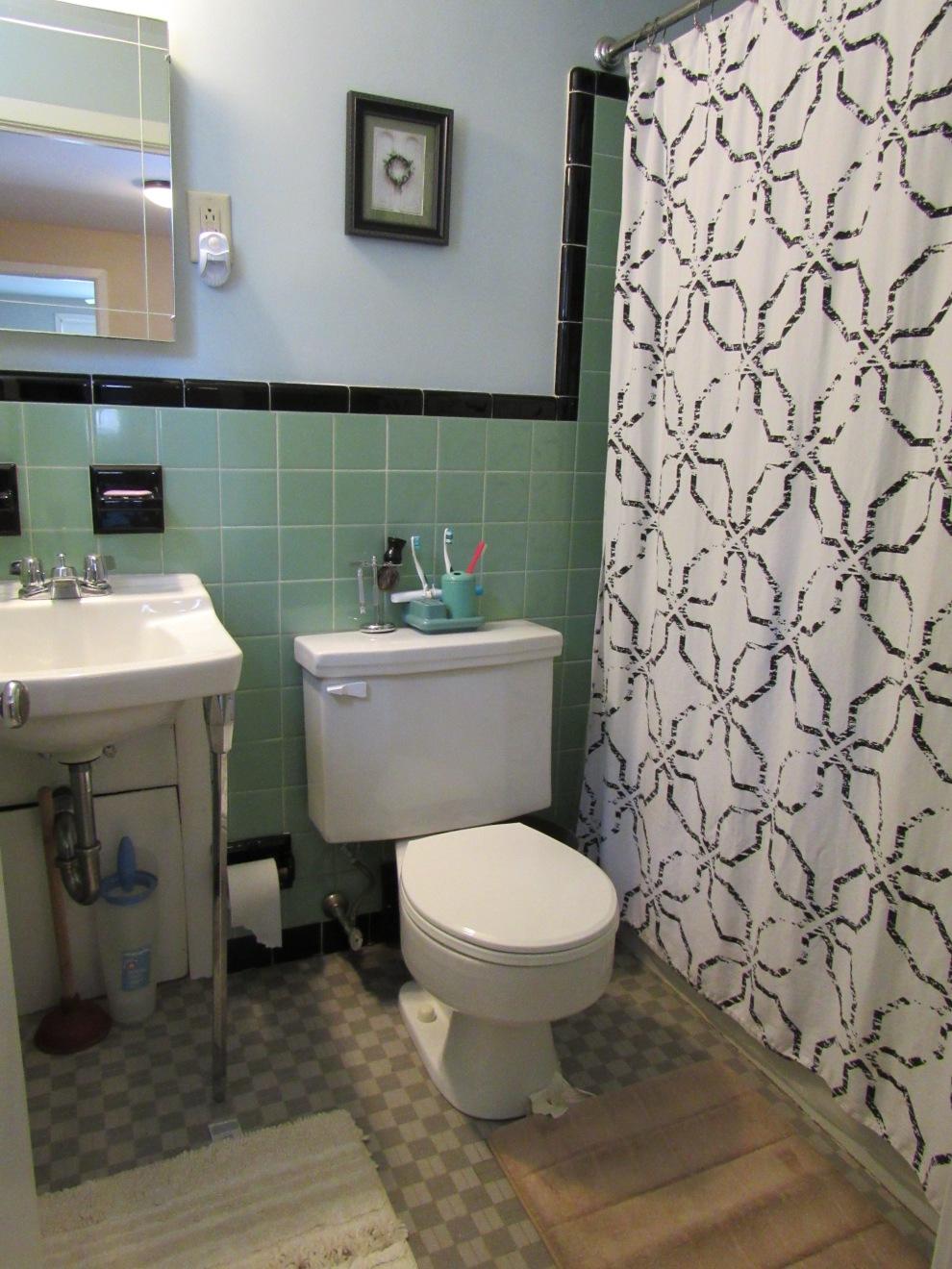 16.5 hall bath