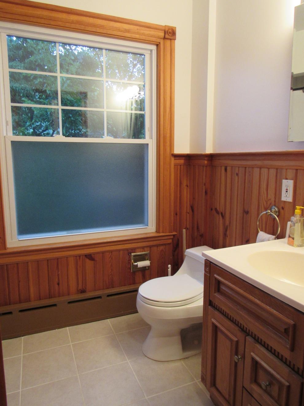 11 hall bath 1