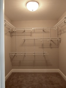 14 Walk-in closet
