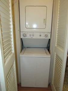7.5 in-unit laundry