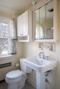 26. Hall bath