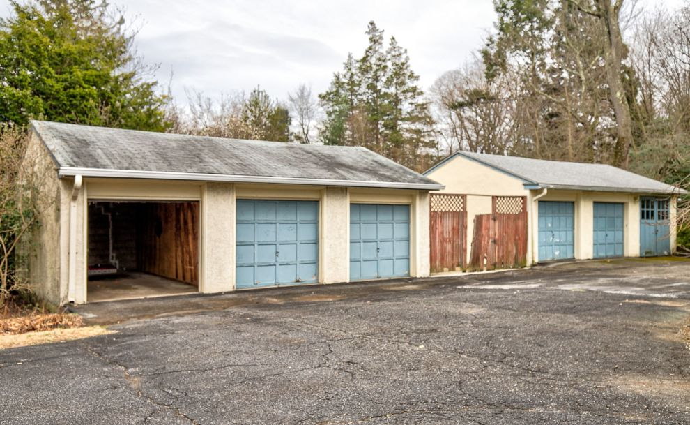 27. garage