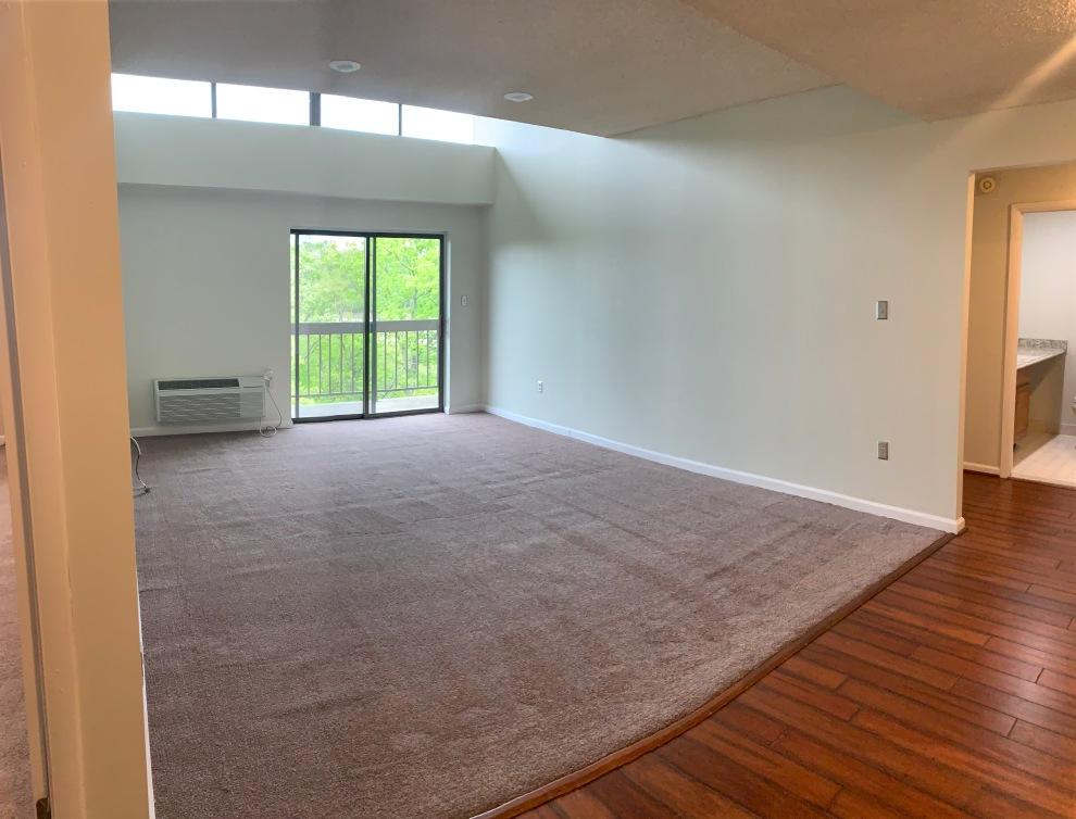 6. Living Room 04