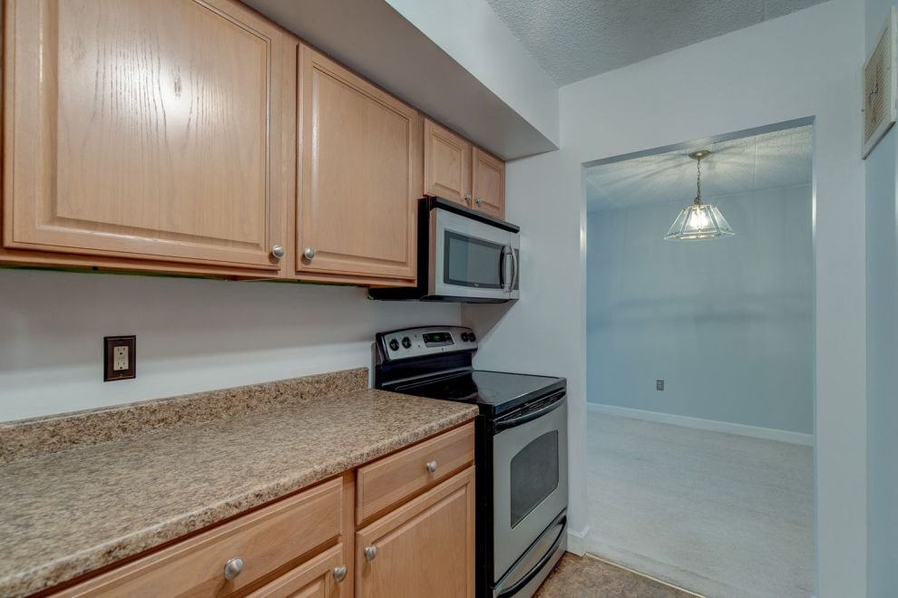 7-web-or-mls-200817-700AvondaleRd-5J-007