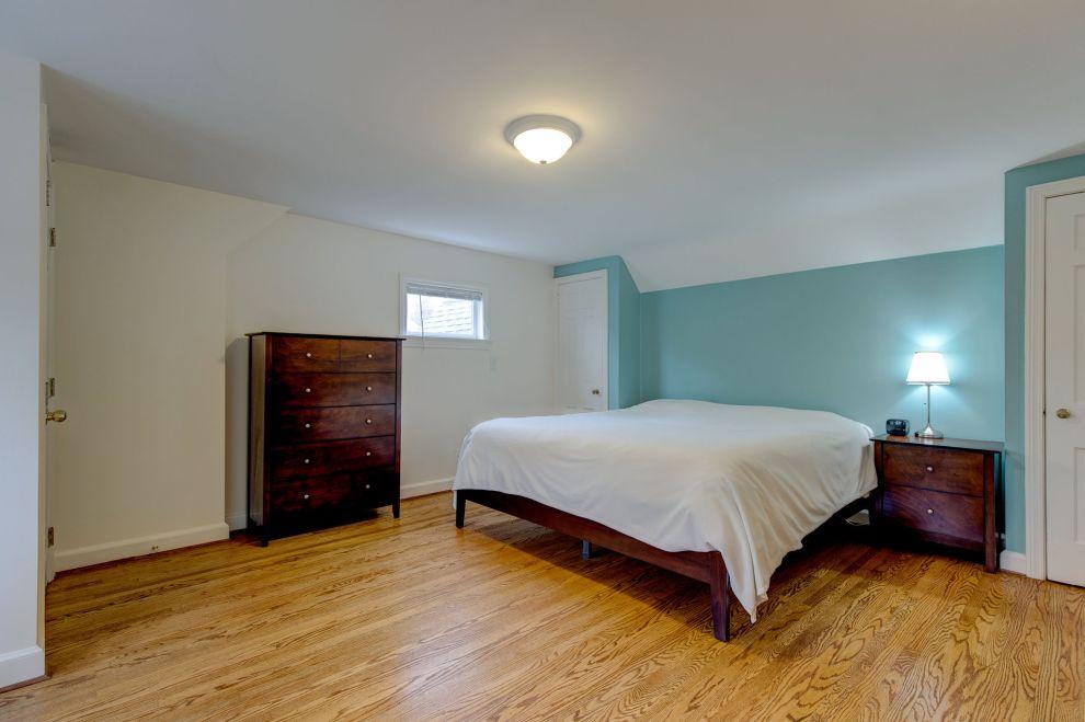 19. Main bedroom