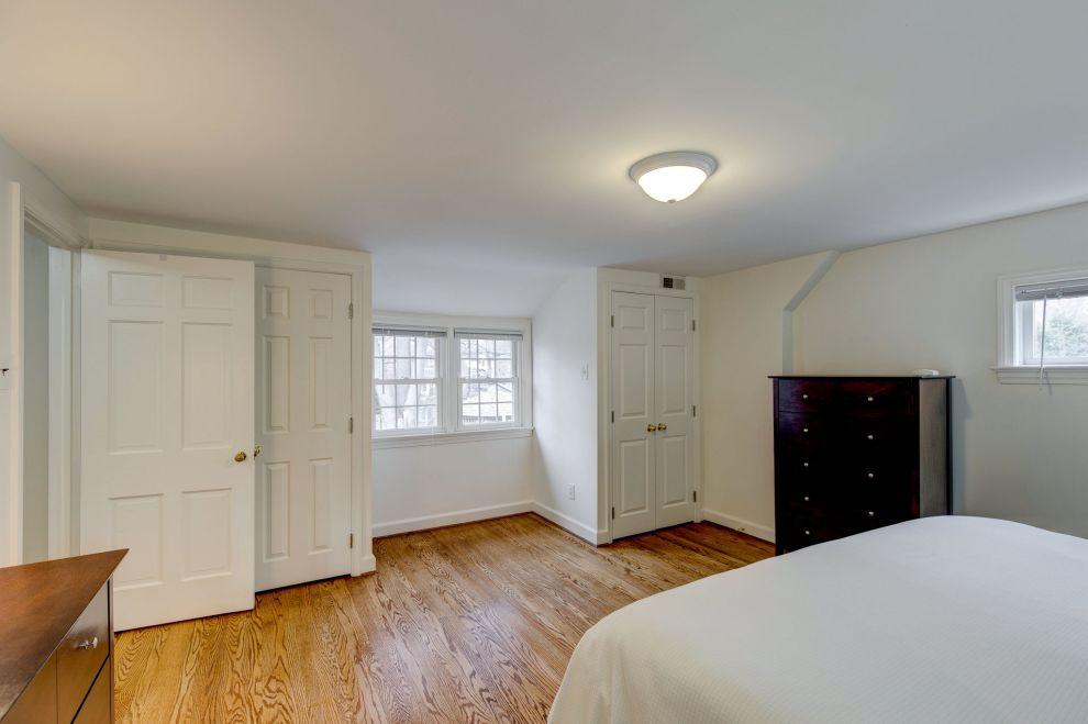 20. Main bedroom